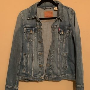 Levi mid wash jean jacket